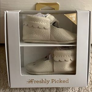Freshly Picked baby moccasin shoes